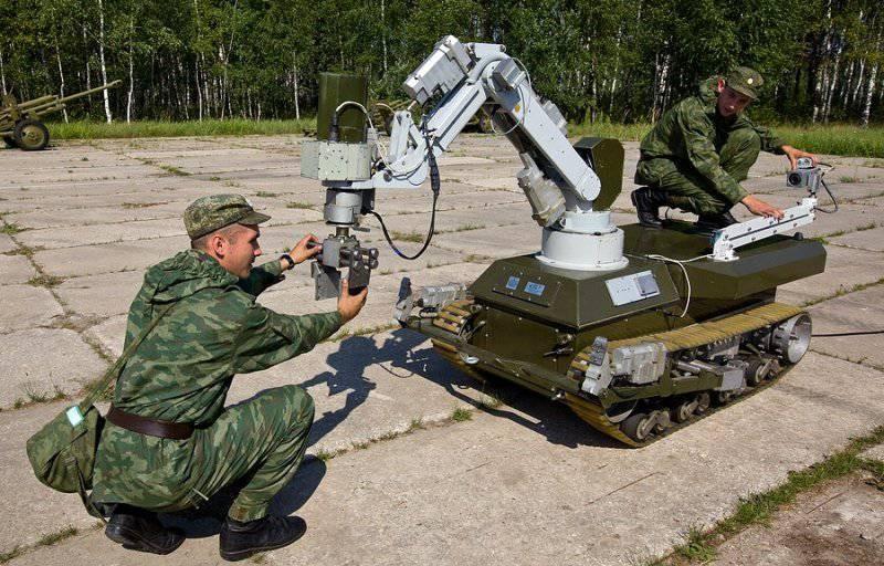 Военные вузы будут выпускать инженеров, способных проектировать боевых роботов