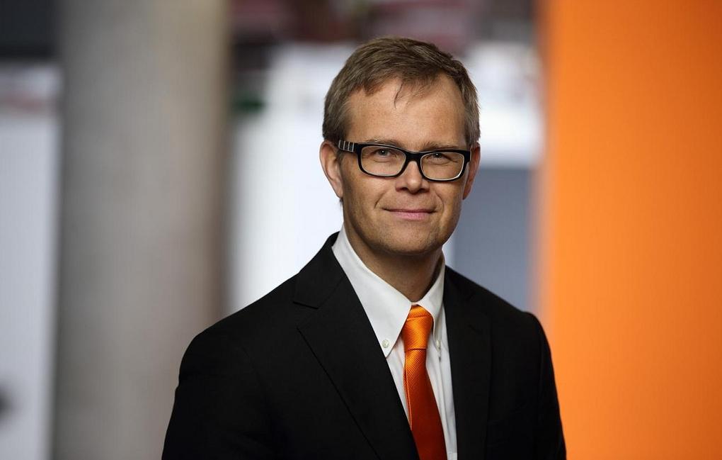 Штефан Лампа, KUKA AG: роботизация заменит опасную работу на интеллектуальный труд