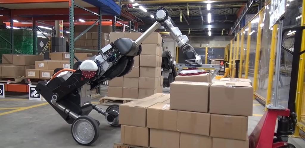 Видео: Handle — робот-грузчик компании Boston Dynamics