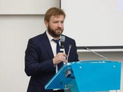руководитель Аналитического центра Владислав Онищенко