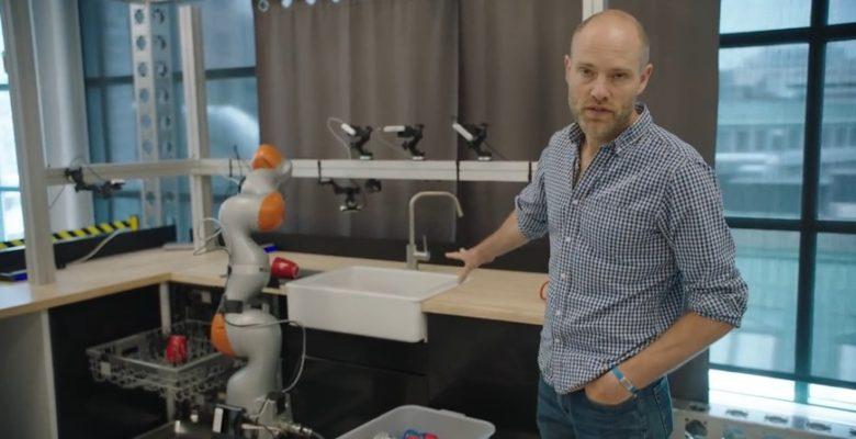Toyota обучает роботов манипулировать бытовыми предметами