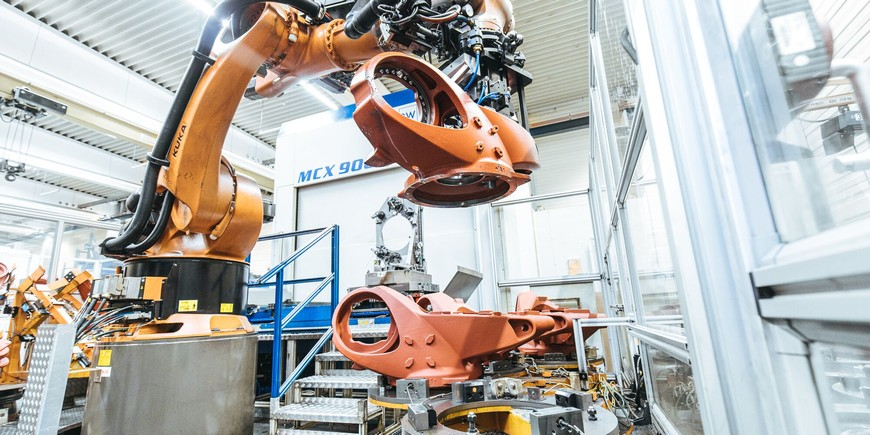 Лаборатория робототехники Сбербанка и KUKA подписали соглашение о стратегическом партнерстве